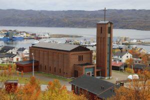 ba%cc%8atsfjord-ba%cc%8atsfjord-kirke-014