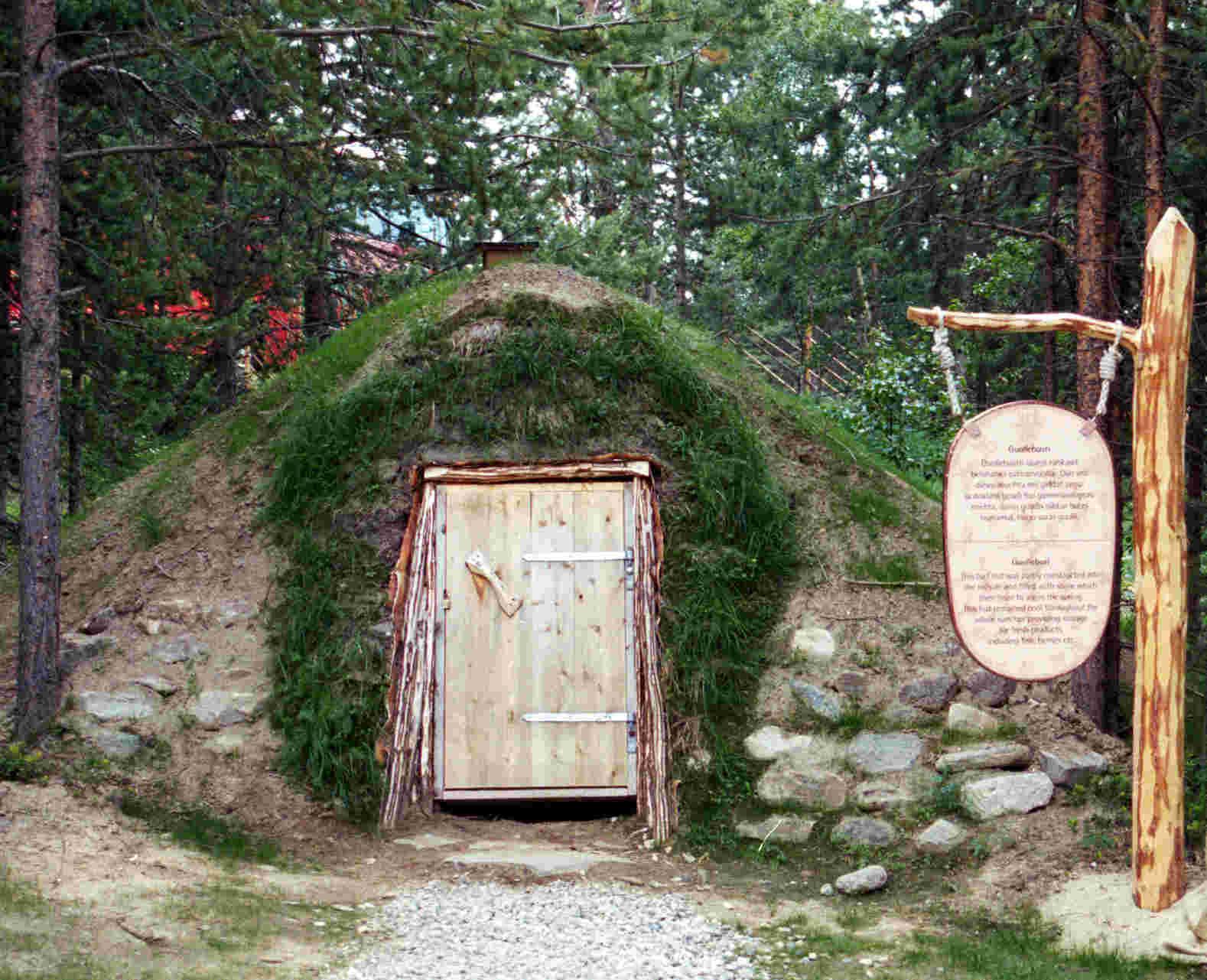Samiske telt (tent) Lávvu, Goahti og Gammer   Travel Finnmark